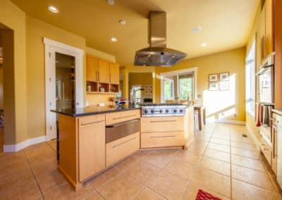 Large Open Kitchen 6-Burner Viking Stove, Warming Drawers